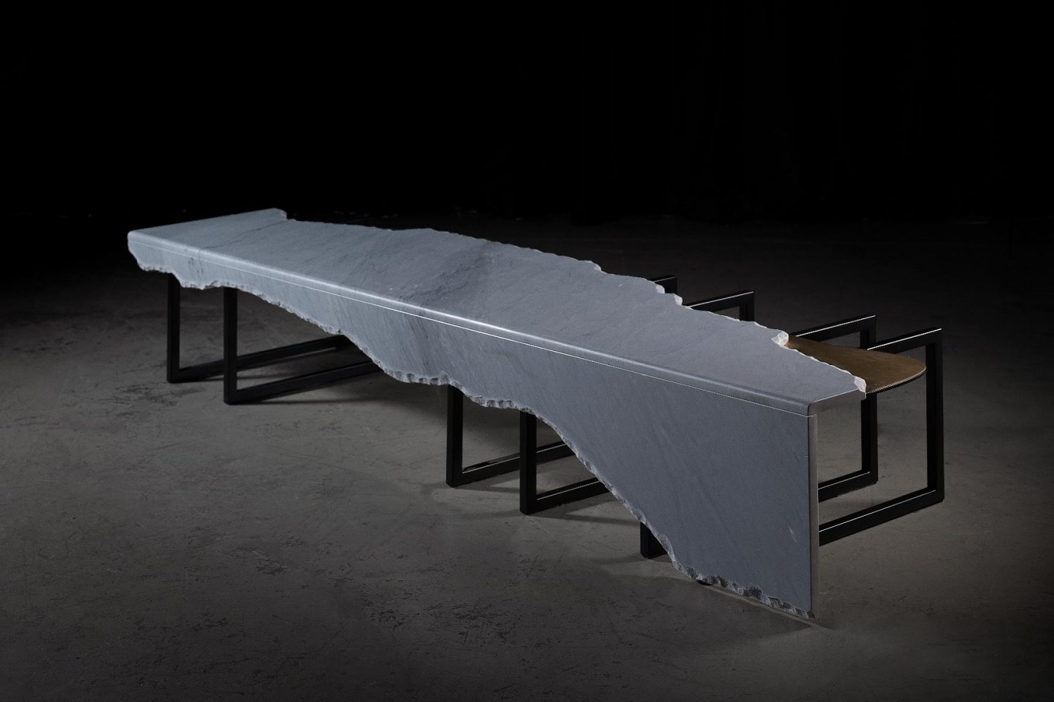 Aire-G703096-Table-08
